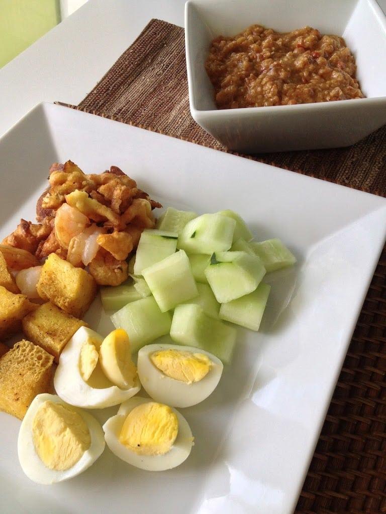Mixed Salad in Peanut Sauce (Rojak Mamak)