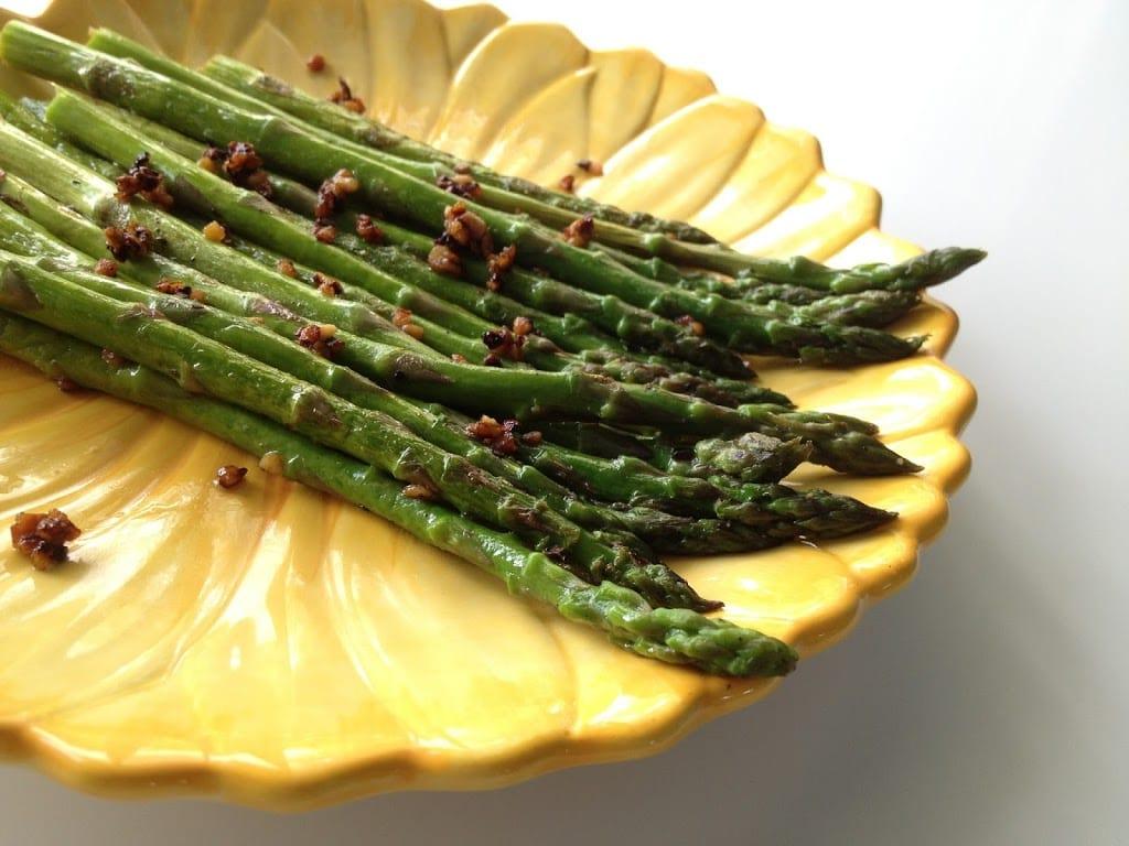 Garlic Stir-Fry Asparagus