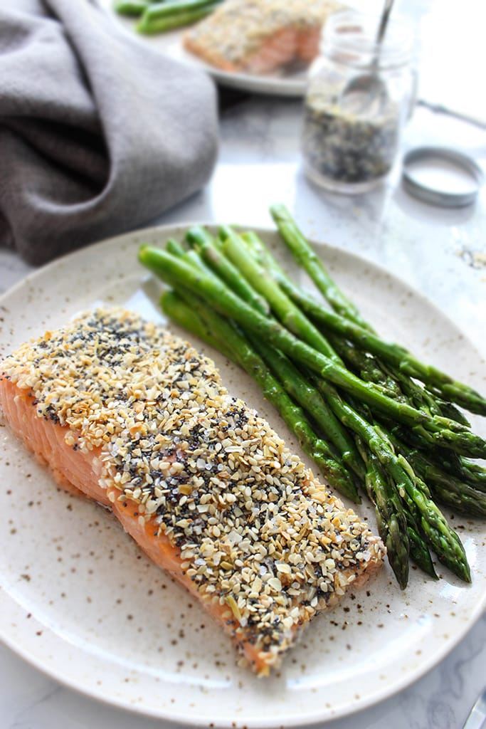This boldly flavored sesame crusted salmon (everything bagel salmon) only needs 5 ingredients and 30 minutes to enjoy a quick and healthy weeknight dinner.