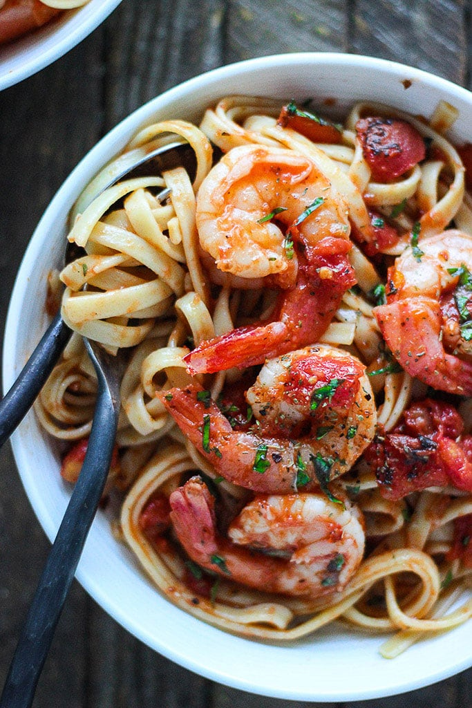 Juicy jumbo shrimp in a sweet and spicy marinara sauce makes spicy shrimp pasta diavolo the perfect 30-minute meal for seafood pasta lovers.